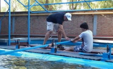 Arrancaron las clases de remo en el Campana Boat Club con Sergio Fernández