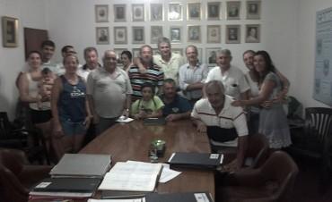 Se entregaron 15 nuevos carnets de socios vitalicios de Campana Boat Club