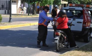 El Municipio inició operativos para fomentar el uso del casco