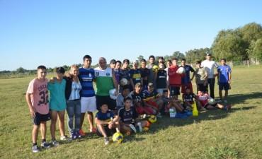 El Municipio entregó elementos deportivos al club Leones Azules