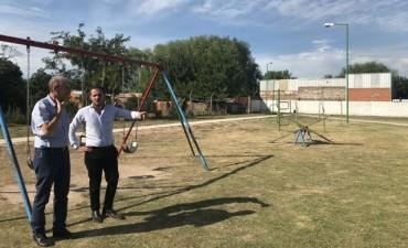 El Intendente recorrió el predio donde se construye la plaza de Las Campanas