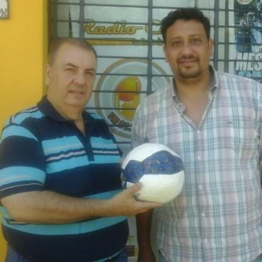 Se entregò la pelota de Boca Juniors al ganador del sorteo de Fùtbol con Estilo