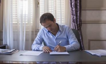 El Intendente firmó el decreto que declara el alerta laboral en el sector químico