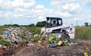 Limpian por segunda vez un basural en el barrio Lubo