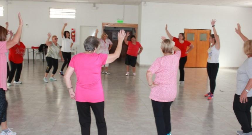 Comenzaron las actividades deportivas gratuitas para adultos mayores