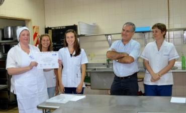 Reconocen a empleadas municipales que participaron de un curso sobre Manipulación de alimentos