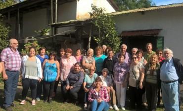 Los adultos mayores continúan visitando el Delta Campanense