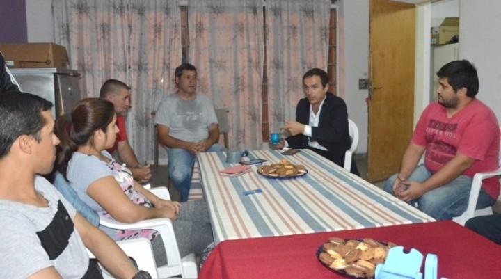 Abella visitó la sociedad de fomento de La Josefa