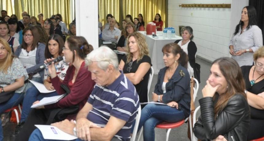 """Más de 150 docentes participaron de una capacitación sobre el """"mundo digital"""""""