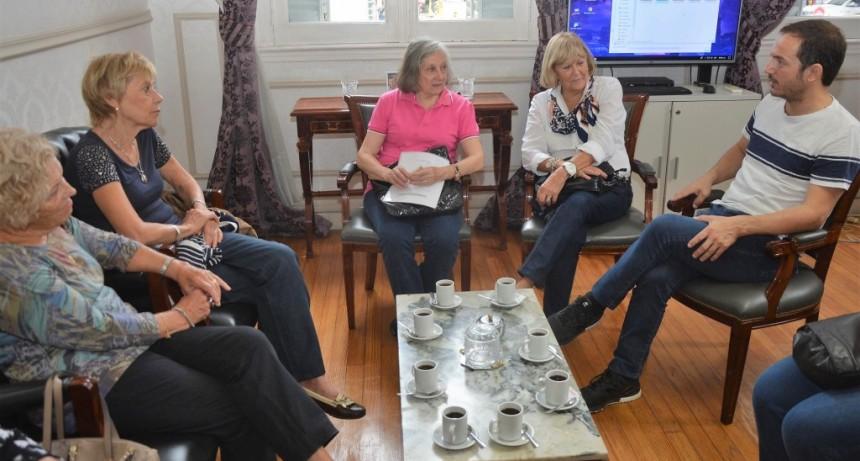 Abella se reunió con integrantes de la Asociación de Docentes Jubilados