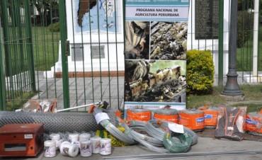 """Beneficiarios del Programa """"Agricultura Periurbana""""  recibieron nuevos materiales para sus proyectos"""