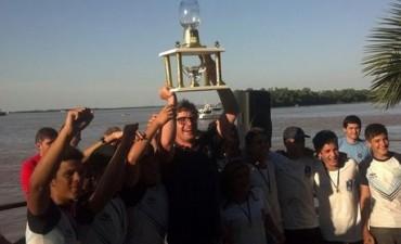 Remo El equipo promocional de Campana Boat Club correrá el domingo en Rosario