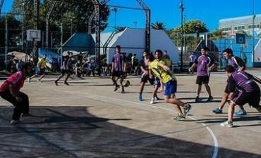 Los equipos de handball de Campana Boat Club lideran en la Femebal