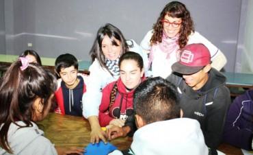 Se realizan Talleres sobre Orientación y Prevención de Adicciones en el Barrio Las Praderas