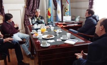 Abella recibió a gremialistas para analizar la situación del empleo en la zona