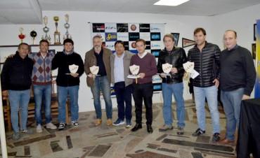 El intendente Abella fue nombrado socio honorario del Club Puerto Nuevo