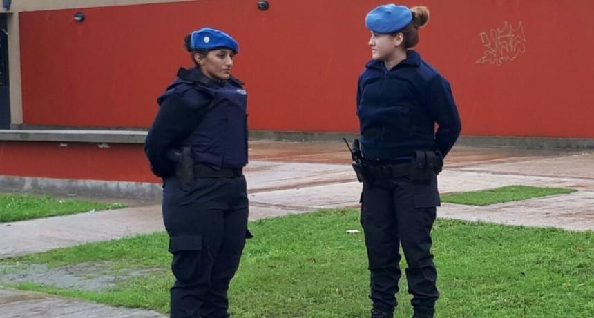 Los oficiales de la Policía Local tienen un nuevo uniforme