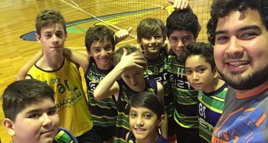 Club Ciudad de Campana : La Tira Juvenil de Caballeros recibió a River Plate