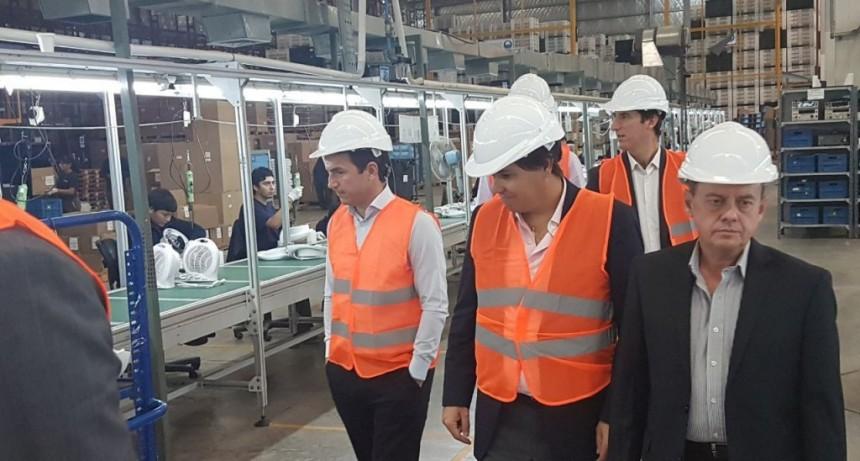El Intendente y el ministro de Producción bonaerense recorrieron la empresa Newsan