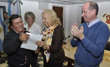 Vecinos recibieron Pensiones Nacionales gestionadas ante el Municipio