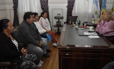 La Jefa Comunal Giroldi recibió a las nuevas Autoridades de la Sociedad de Fomento del barrio San Cayetano