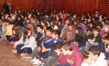 700 alumnos  de la Escuela Normal participaron de una charla de seguridad vial