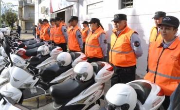 La Intendente Giroldi entregó indumentaria al personal de la Dirección General de Tránsito y Transporte