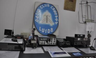 La Intendente Giroldi visitó la muestra del Radio Club Campana