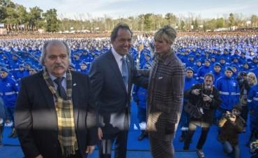 Scioli tomó juramento a la Bandera a 18 mil policías