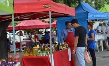 Mañana regresan El mercado en tu barrio y los productores locales a plaza España