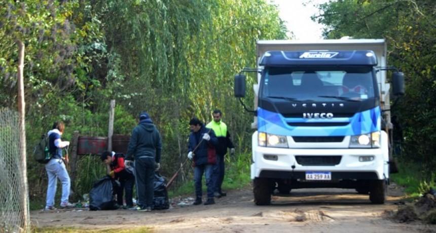 Otamendi: vecinos del barrio organizaron una jornada de limpieza