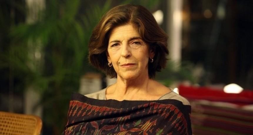 Cristina Banegas en el Instituto Nº 15 de Campana