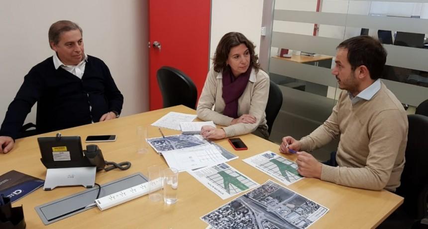 Rotonda: Abella se reunió con representantes de Autopistas y Vialidad para avanzar en el proyecto