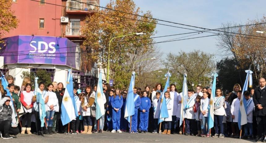 Más de 2.000 alumnos de 4to grado realizaron su promesa de lealtad a la bandera