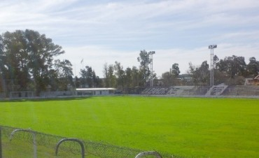 Villa Dálmine: Se sigue trabajando en el mejoramiento del campo de juego