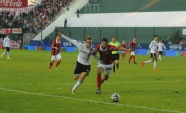 Estudiantes (LP) pisó con firmeza en su debut en la Copa Argentina