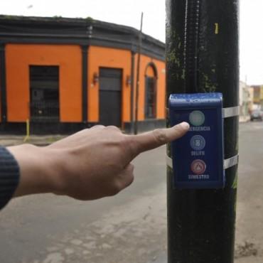 Corredor seguro: el Municipio comenzó a instalar los botones antipánico antivandálicos