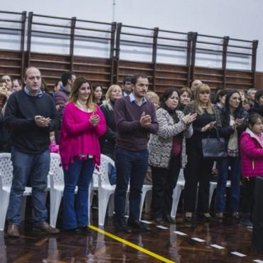 Se reinauguró el gimnasio de la Escuela Normal con un emotivo acto por el 9 de julio