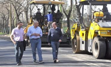 Roses recorrió las obras de pavimentación junto al Diputado Torres