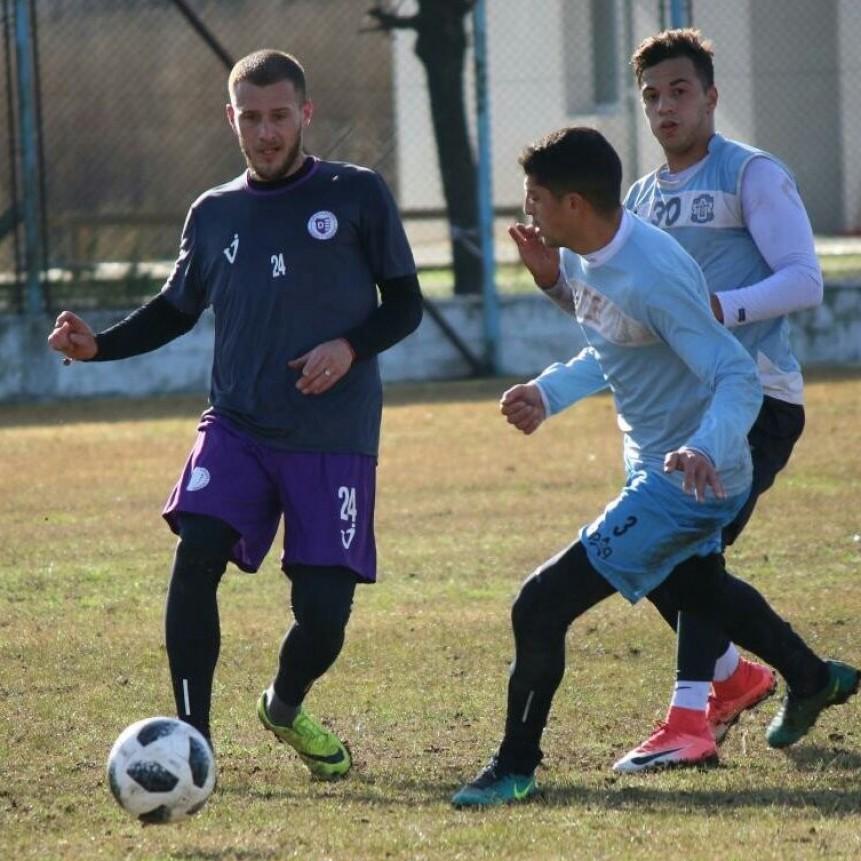 Villa Dàlmine realiza un nuevo ensayo futbolìstico frente a J.J.Urquiza