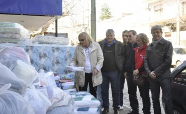 El Municipio recibió del Sindicato Petrolero una importante donación para los damnificados por el temporal