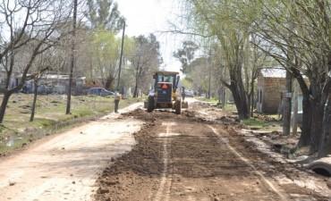 Barrio San Cayetano: Obras y Servicios Públicos realiza el mejoramiento de la calle Zárate