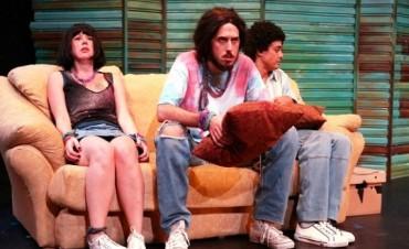 "Agenda Cultural: El Teatro Nacional ""Cervantes"" presentó la obra ""Distracciones"" en Campana"