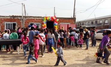 350 chicos festejaron el día del niño en el Barrio Dignidad