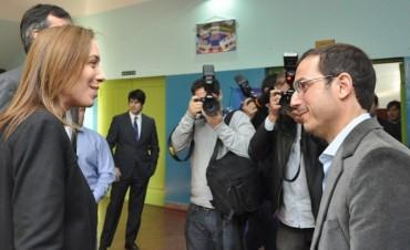 """Vidal, Bullrich y Abella lanzaron en Campana el programa """"La Escuela Sale de la Escuela"""""""