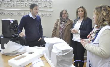 Abella entregó equipamiento a las escuelas de Lubo y Otamendi