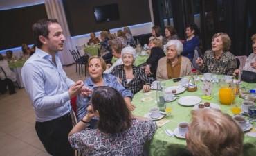 El Intendente compartió un grato momento con docentes jubiladas