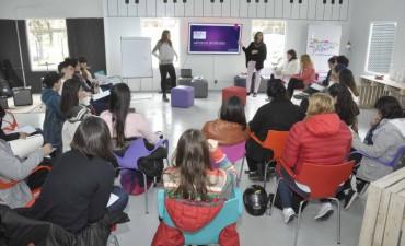 Jóvenes participaron de una importante charla de introducción al CBC