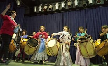 El folklore llega al Teatro Municipal Pedro Barbero
