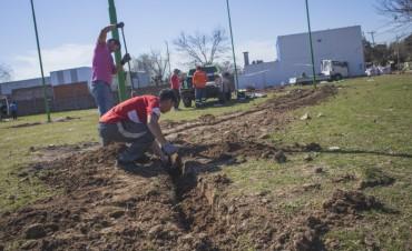 Comenzó la construcción de una plaza en Las Campanas, un histórico pedido de los vecinos